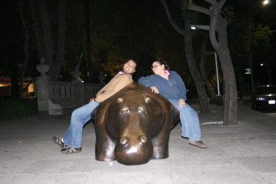 Denisse y Chobe en Reforma